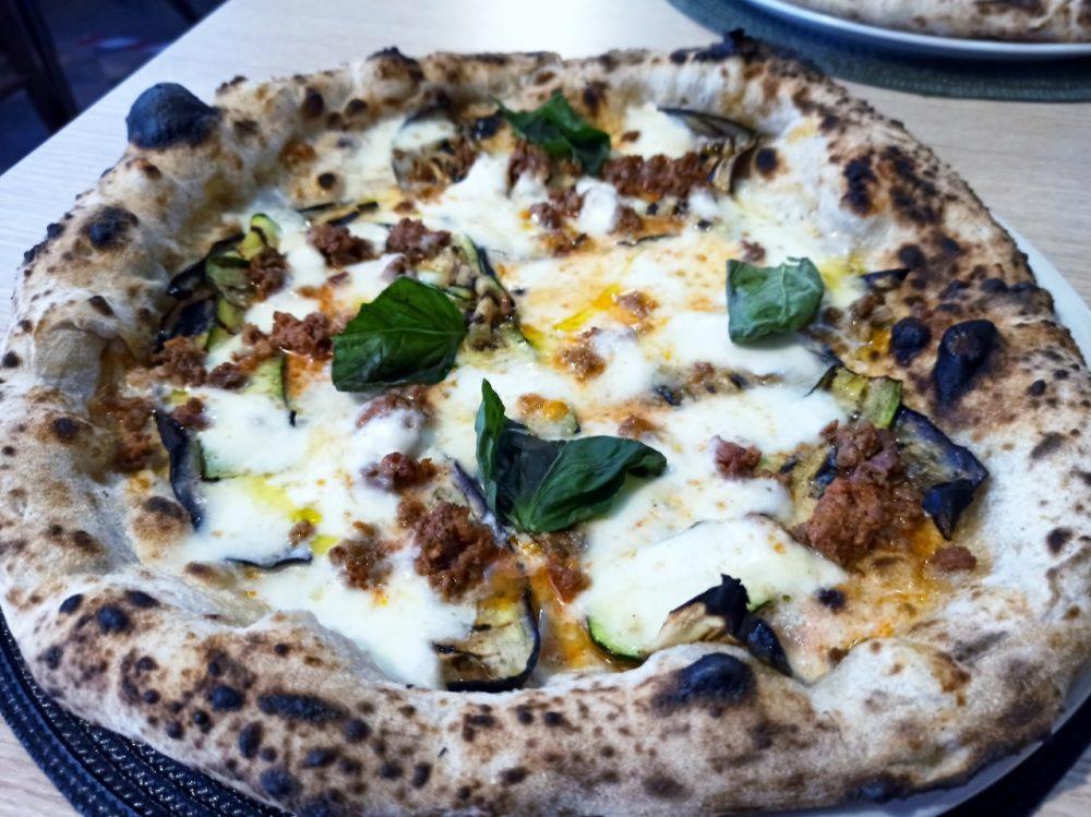 Pizzeria Vera Napoli - Ortolana con Salsiccia Rossa di Castelpoto