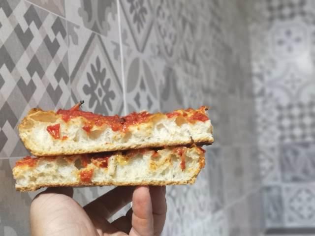 Grotto Pizzeria Castello - la pizza rossa