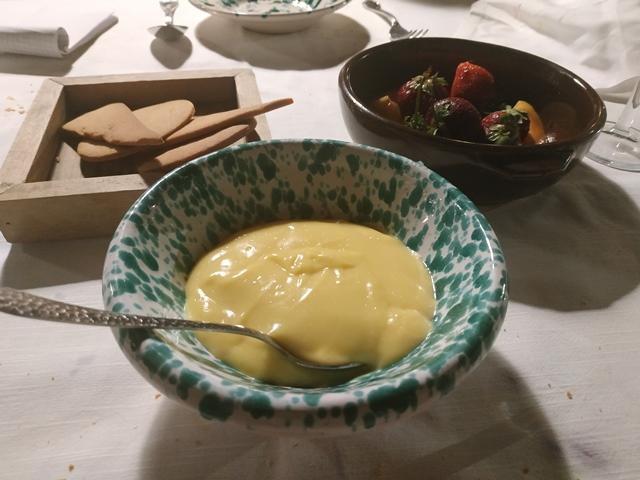 La Casa di Lella - crema pasticcera, frolle e frutta fresca
