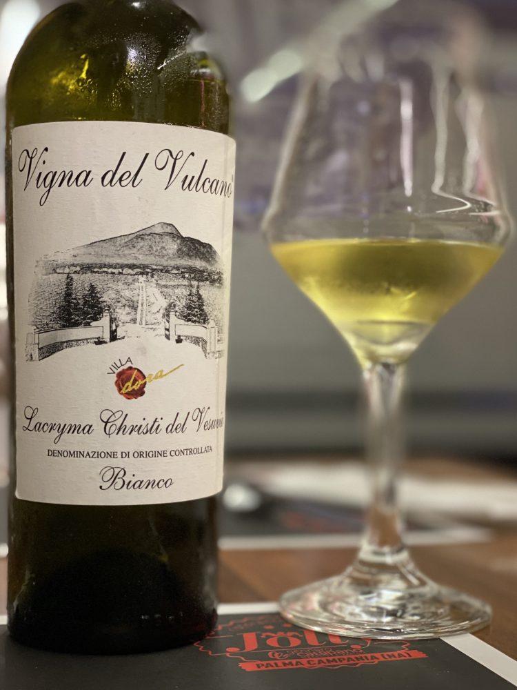 Pizzeria Jolly - Vini del territorio - Lacryma Christi Bianco Villa Dora
