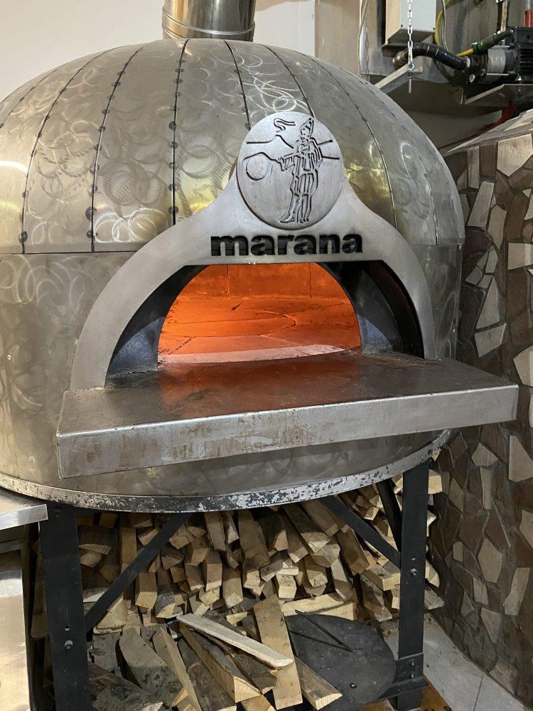 Pizzeria Jolly - forno a legna