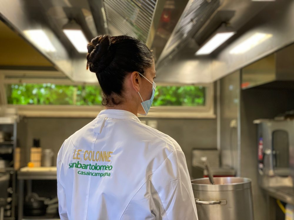 San Bartolomeo Casa in Campagna - Chef Rosanna Marziale in cucina