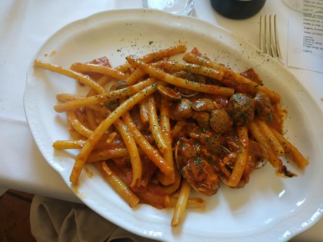 Trattoria Zaraza' - cannacce con vongole e peperoni