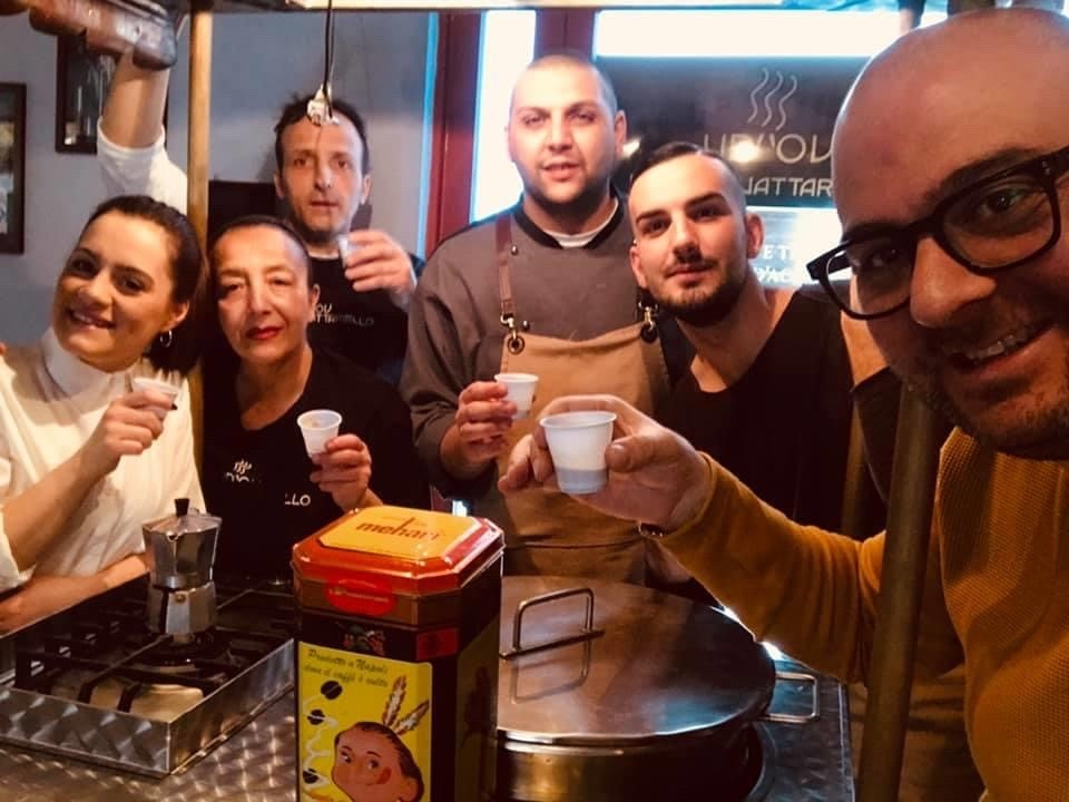 Vico d'o Vattariello - Gianluigi e lo staff