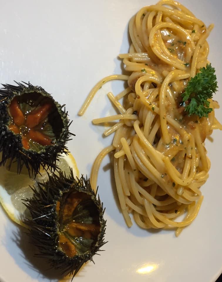 ll Gozzo a Salerno, spaghettone con i ricci