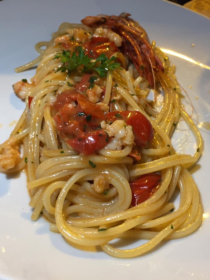 ll Gozzo a Salerno, spaghetti ai gamberi rossi