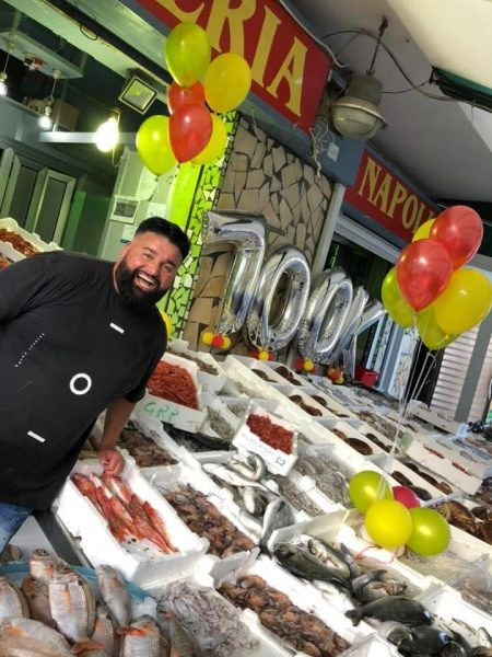 Peppe di Napoli saluta i 700 mila followers