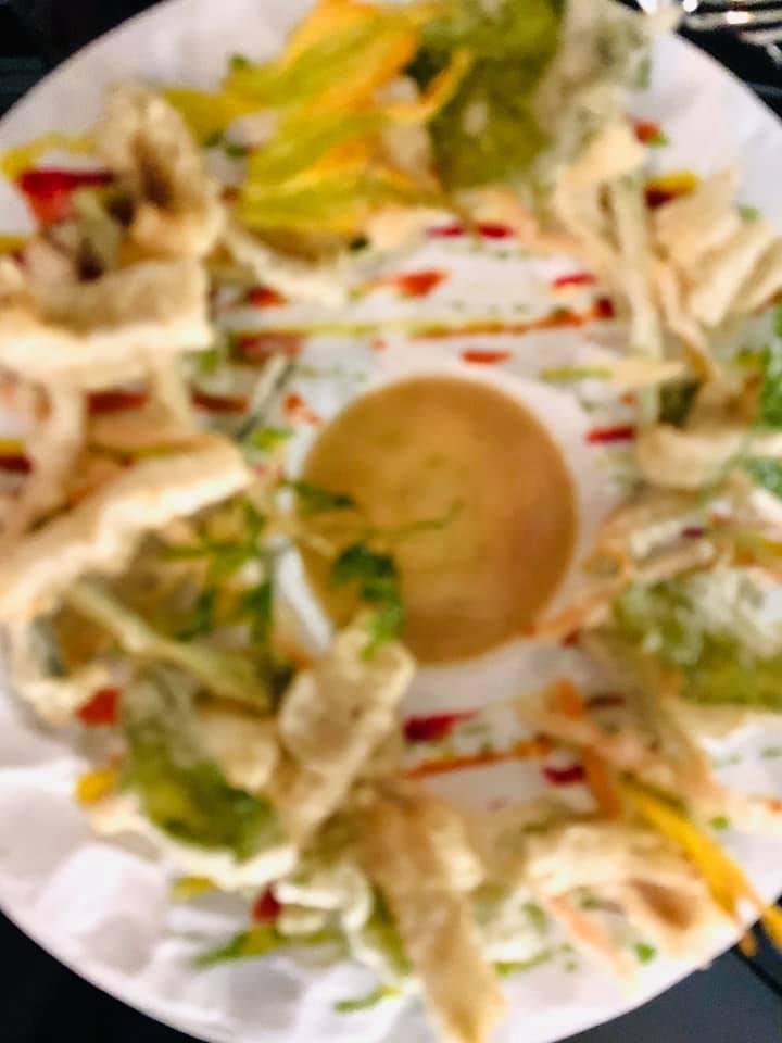 Perna, Ravioli di genovese di pollo, mela verde, brodo di gallina eparmigiana