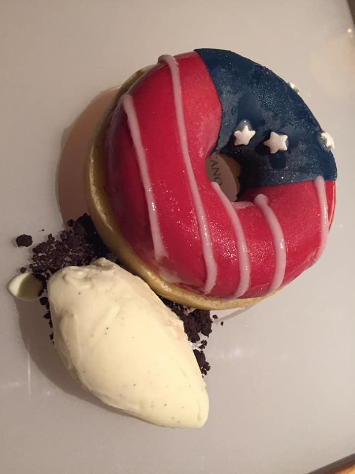 Tre Olivi a Paestum, Donut, omaggio all'America