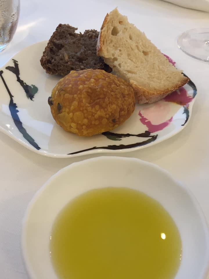 Don Alfonso 1890, pane e olio