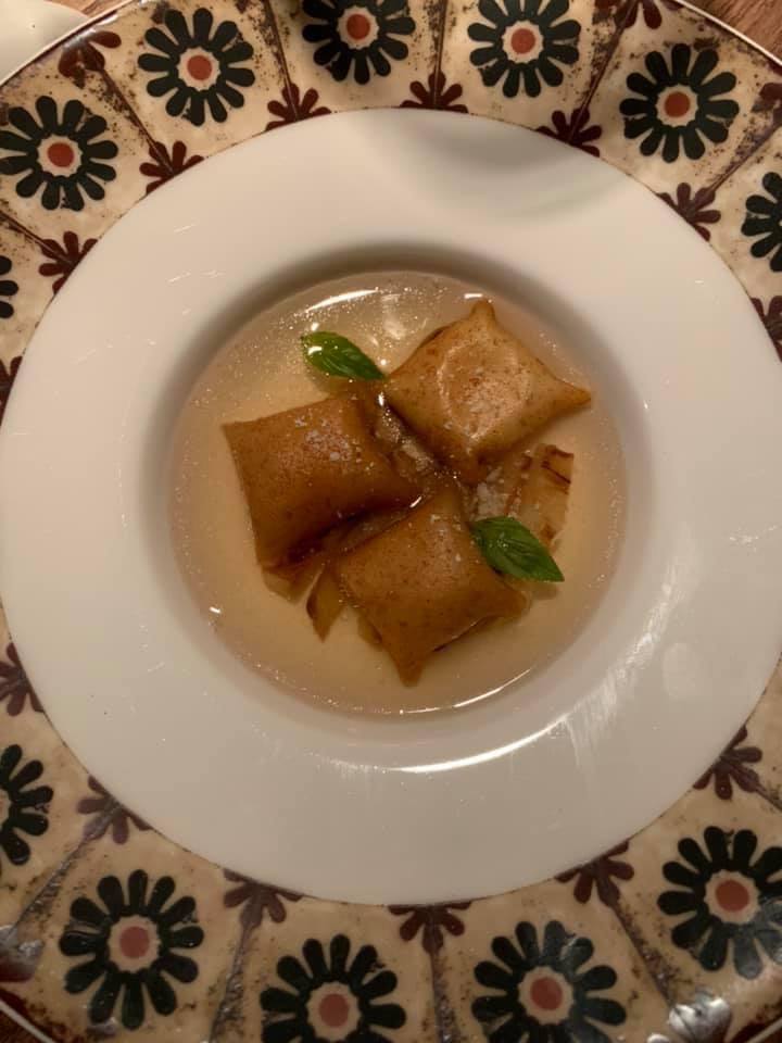 Accursio Ristorante -Ravioli di pane riepiani di mozzarella su acqua di pomodoro e melanzane