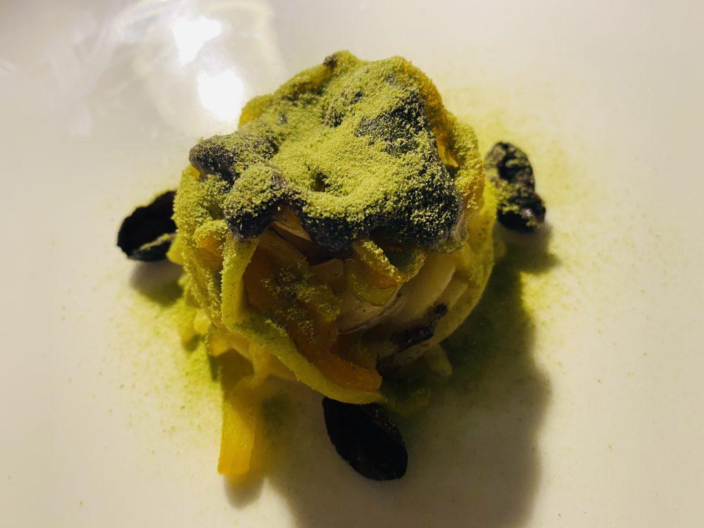 Mauro Uliassi - spaghetti olive nere, peperoni, eucalipto