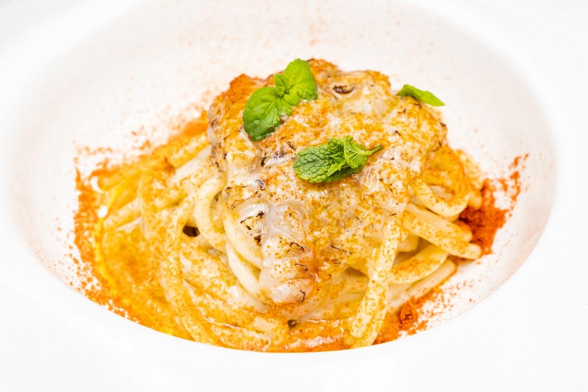 Casa Sgarra, Spaghettone con cicala e polvere di peperone crusco