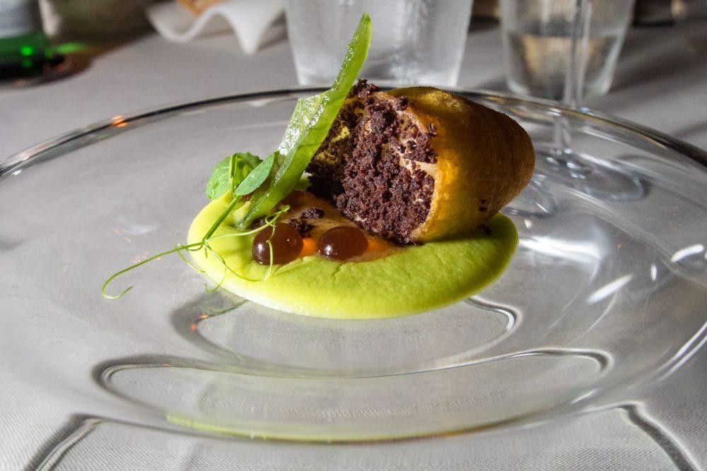 Franco Mare - Sfogliatella di patate,baccala' mantecato e piselli affumicati
