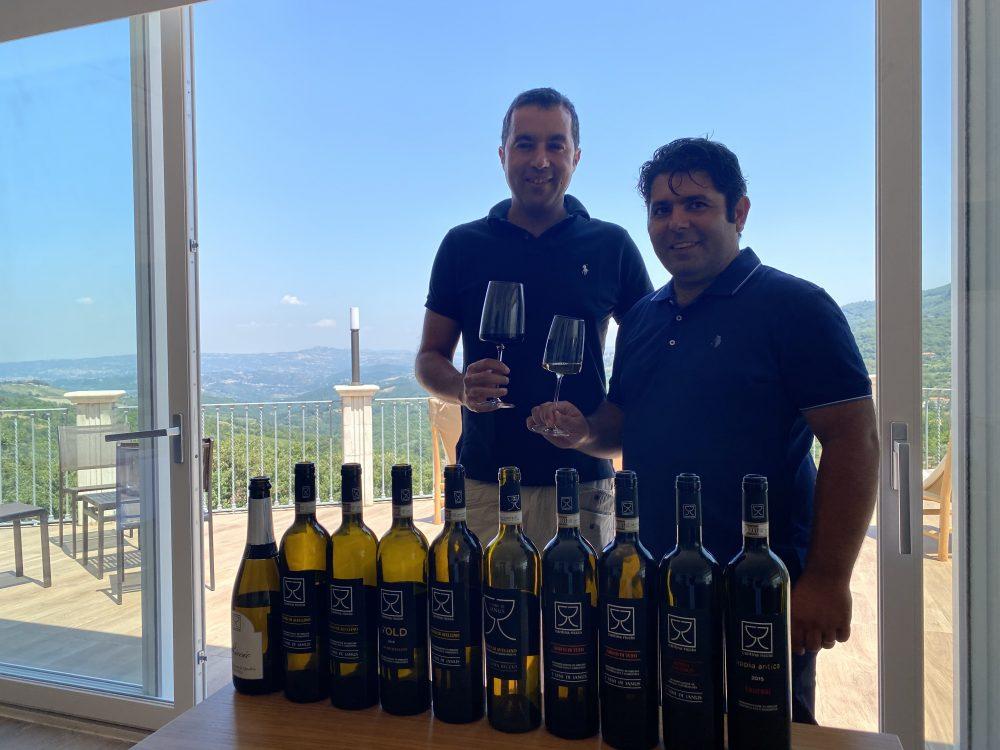 Green Resort De Marco - Luigi De Marco e l'enologo Gerardo Spinelli