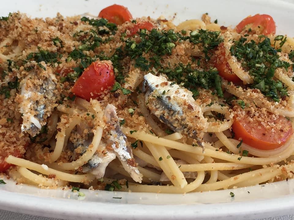 Lido Delphinus, spaghetti con le alici