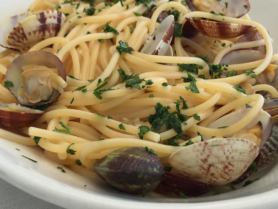 Lido Delphinus, spaghetti con le vongole