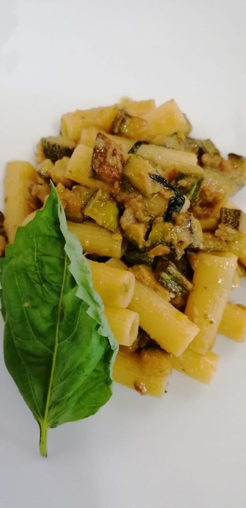 PASTA ALLE ZUCCHINE - La pasta alle zucchine pronta
