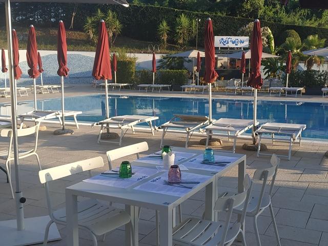 Rosciolino - lo spazio a bordo piscina