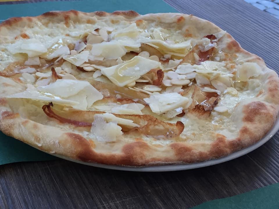 pizzeria Sant'Agostino, Tuscania, la pizza Angelica