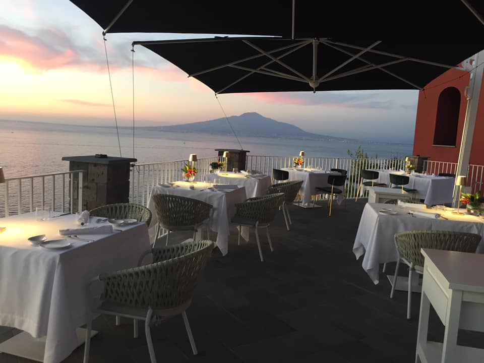 Lorelei Sorrento, la terrazza panoramica sul Vesuvio
