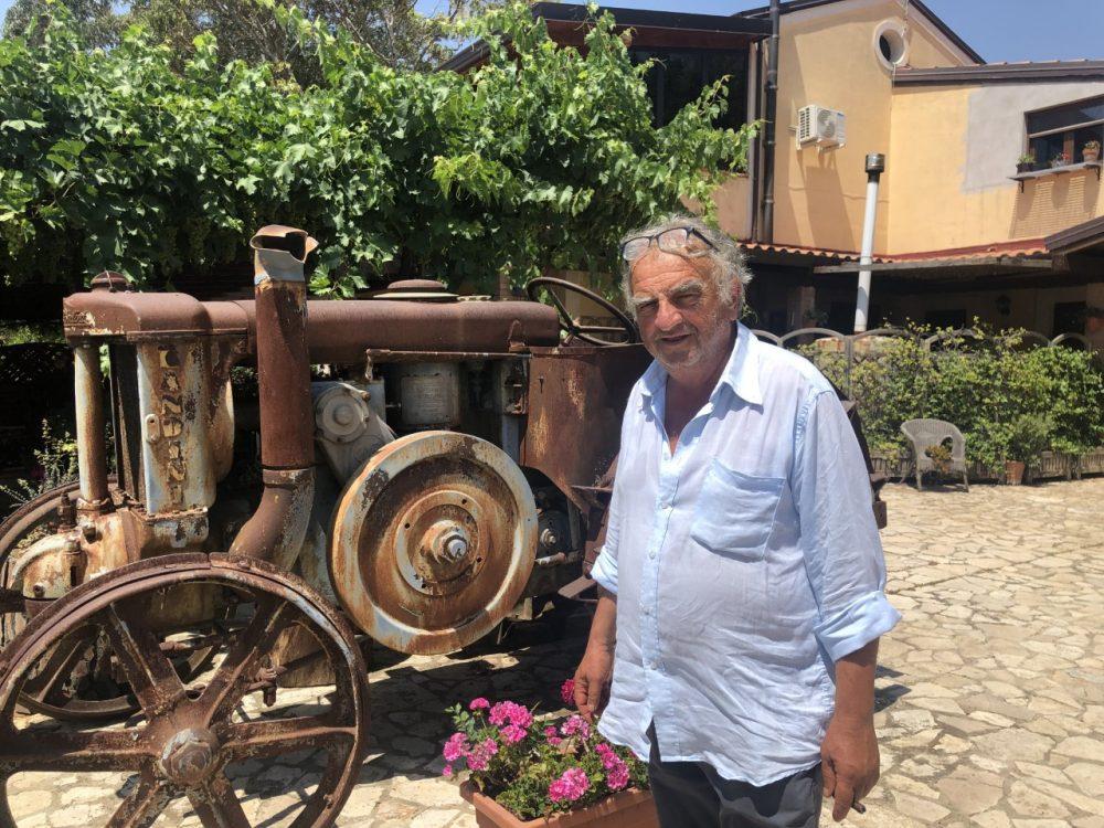 Agriturismo Sorgituro - Michele e il trattore