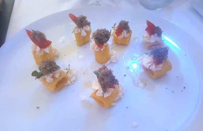 Emozionando, Mezze maniche tartufo pomodorino e burrata mantecata