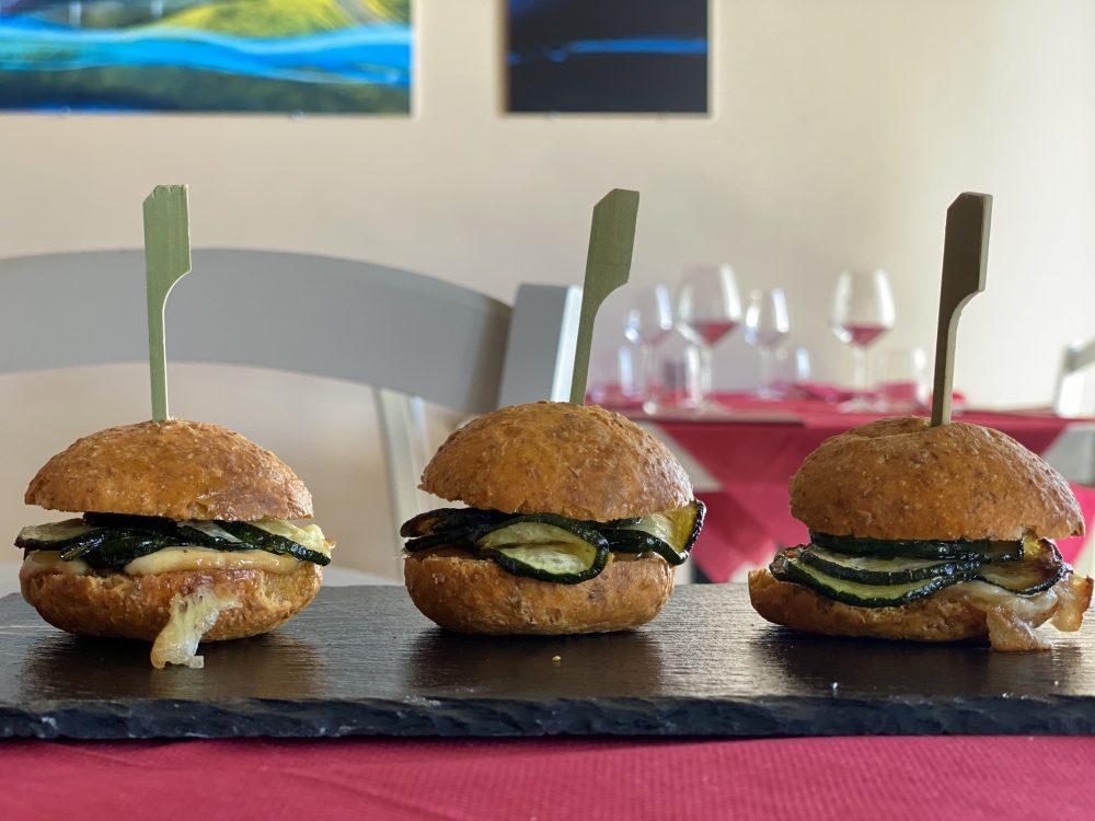 Enosteria Tage' - panini von provola affumicata e zucchine alla scapece