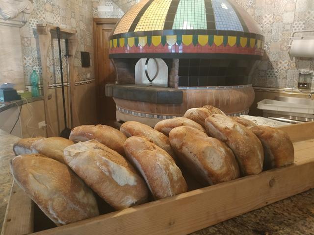 Le Grotticelle - il pane appena sfornato