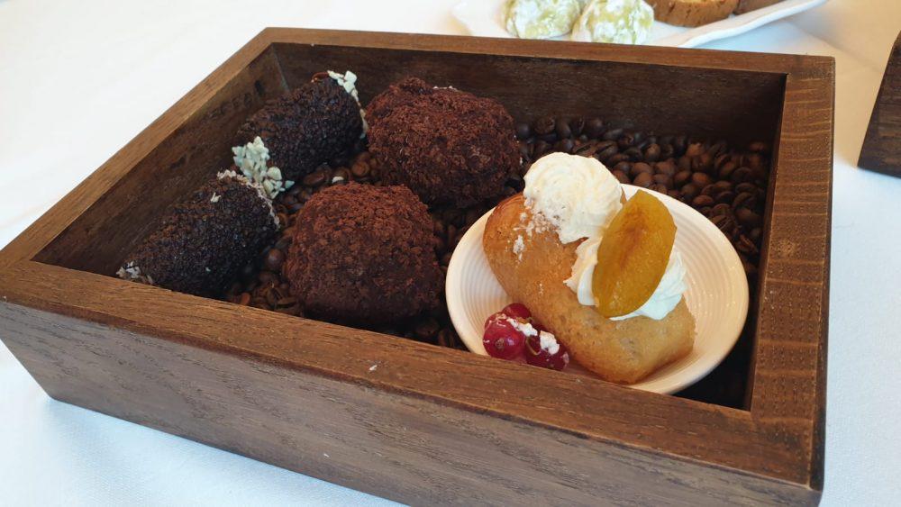 ME Restaurant - Dolci tartufi al cioccolato