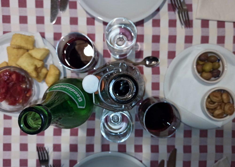 Masseria Aglio Piccolo - Frittelle, Olive e Taralli