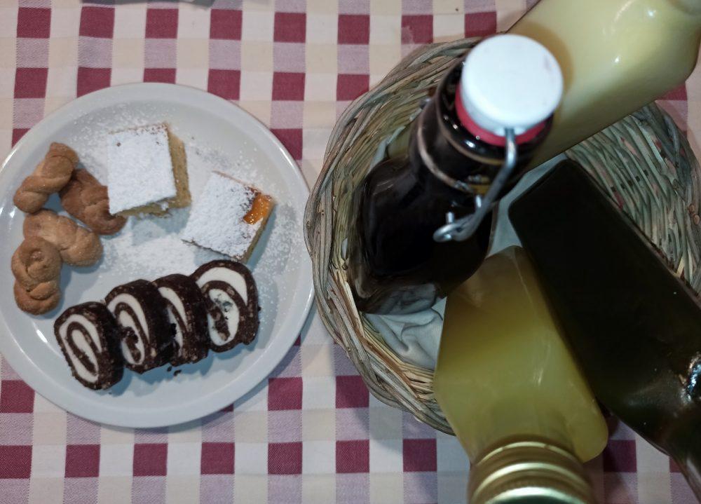 Masseria Aglio Piccolo - I dolcini e i rosoli