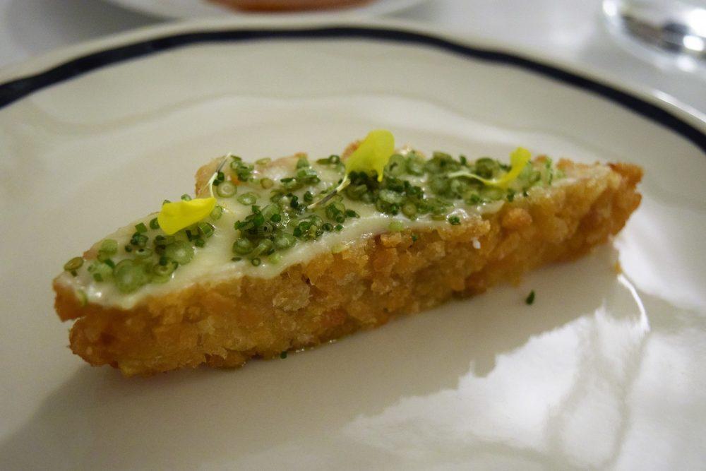 Osteria Arbustico - Spigola fritta, olive nere, aglio e olio