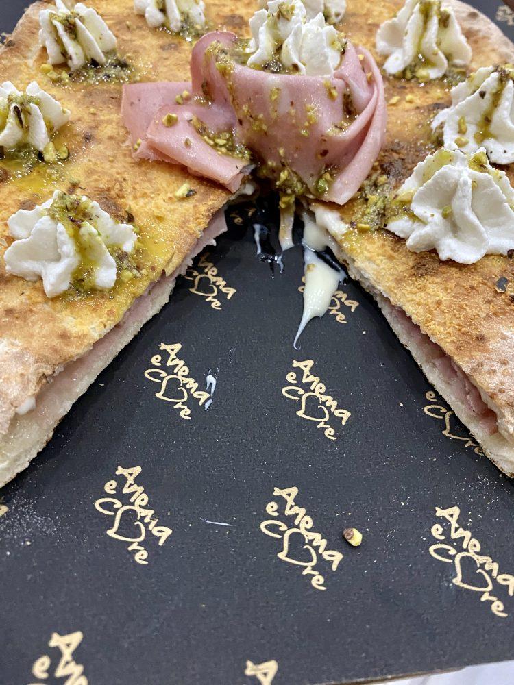 Pizzeria Anema e Core - pizza Pane e Mortedella