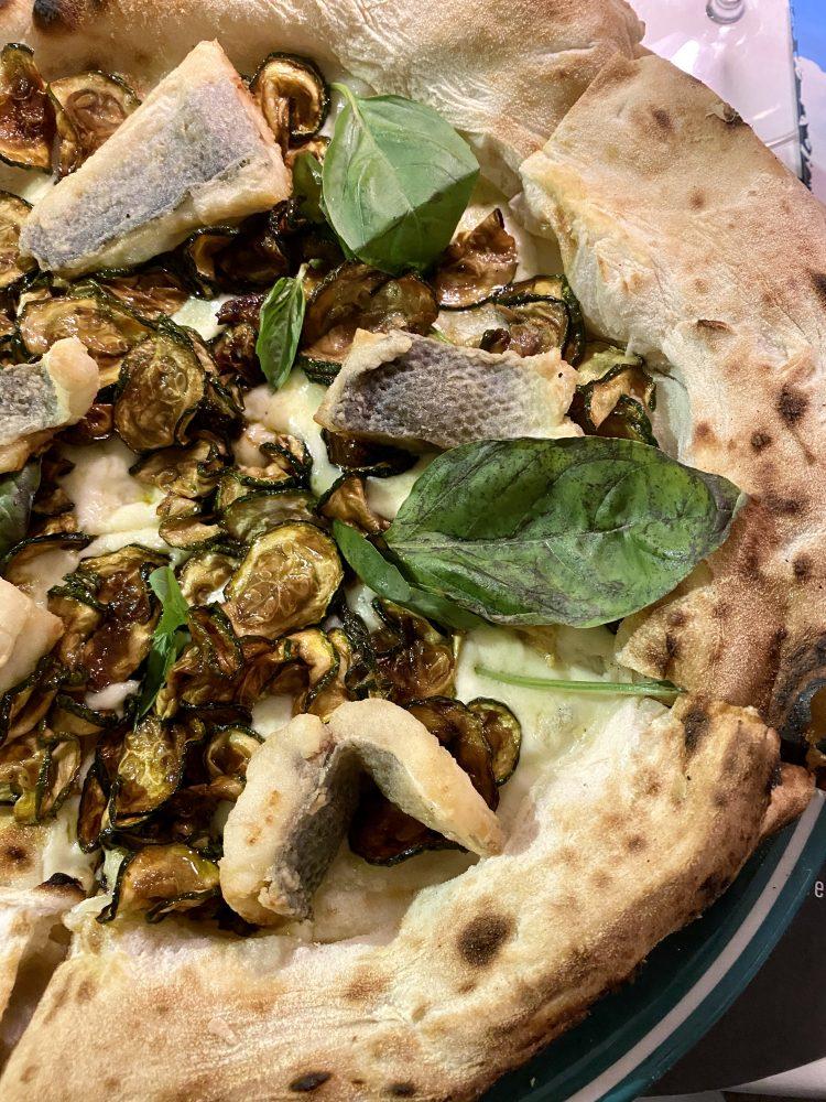 Pizzeria Vincenzo Capuano Pozzuoli - pizza Puteoli