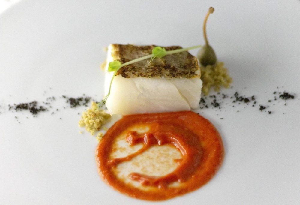 Ristorante Al Baliaggio - Baccala' cbt con salsa di peperone e crusco polvere di olive di Ferrando a crumble di capperi