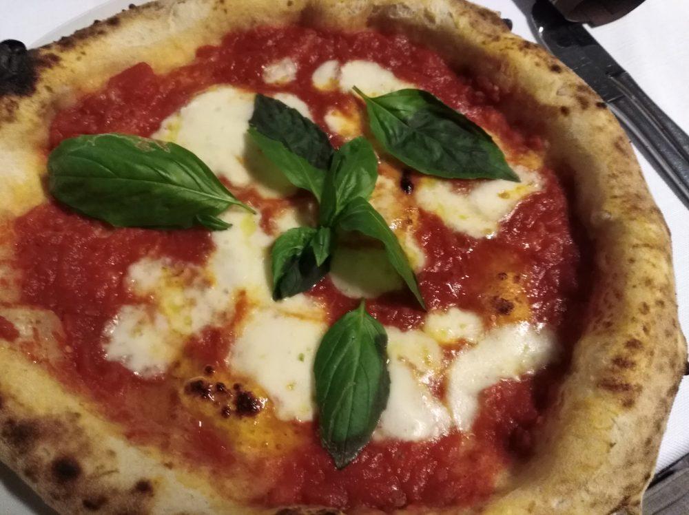 Ristorante Il Ghiottone - Pizza Margherita
