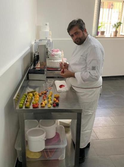Salvatore Di Paola nel suo laboratorio
