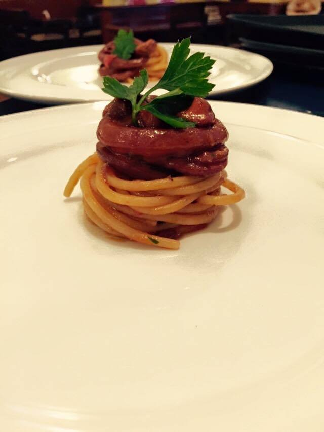 Spaghetti al ragù di totani