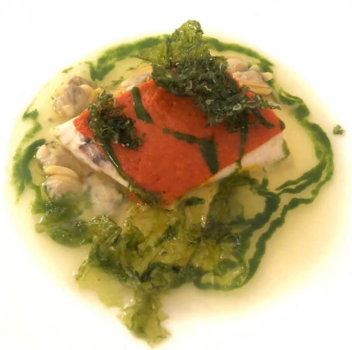 Jose' Restaurant - Pesce bianco in crosta di pomodoro, guazzetto di vongole e alghe