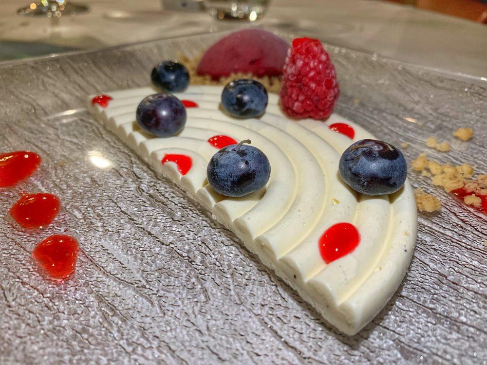 Da Carmelo, cremoso alla vaniglia con i frutti rossi