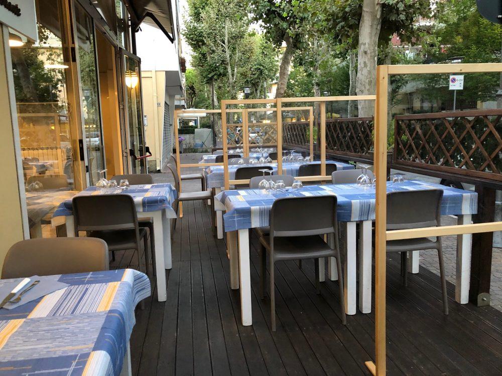 La veranda del Rosmarino, il locale riccionese di Alberto Tonti
