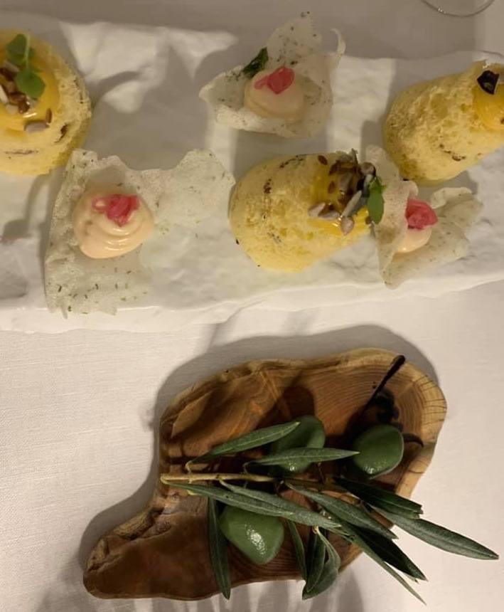 Jose' Restaurant - Aperitivo, olive ascolane ricostruite e spugne con maionese di gamberi