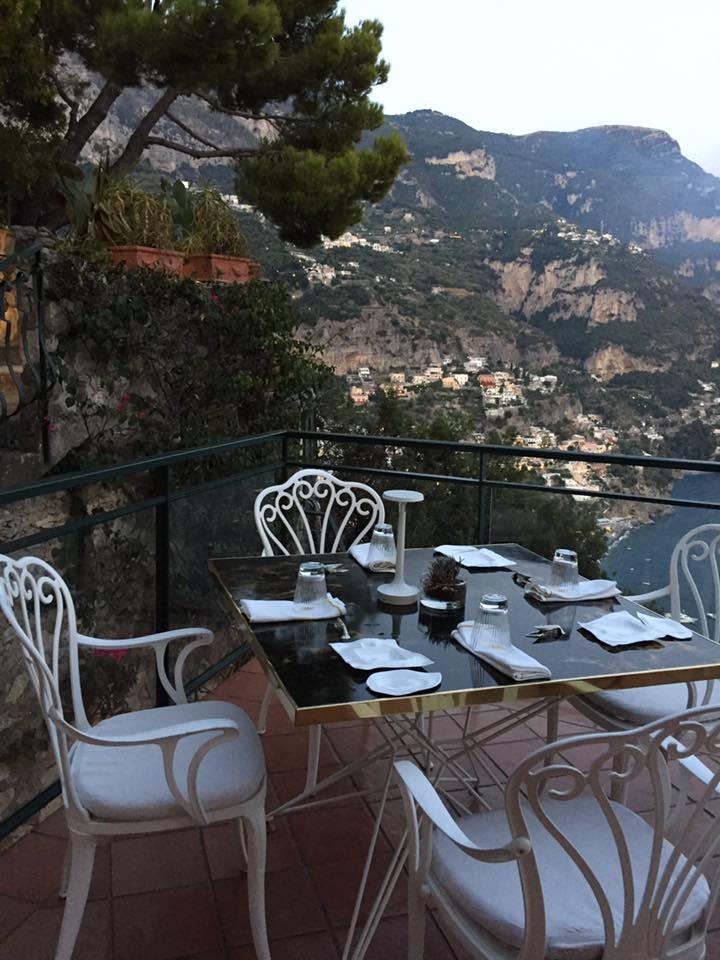 La Serra a Positano, uno dei tavoli panoramici