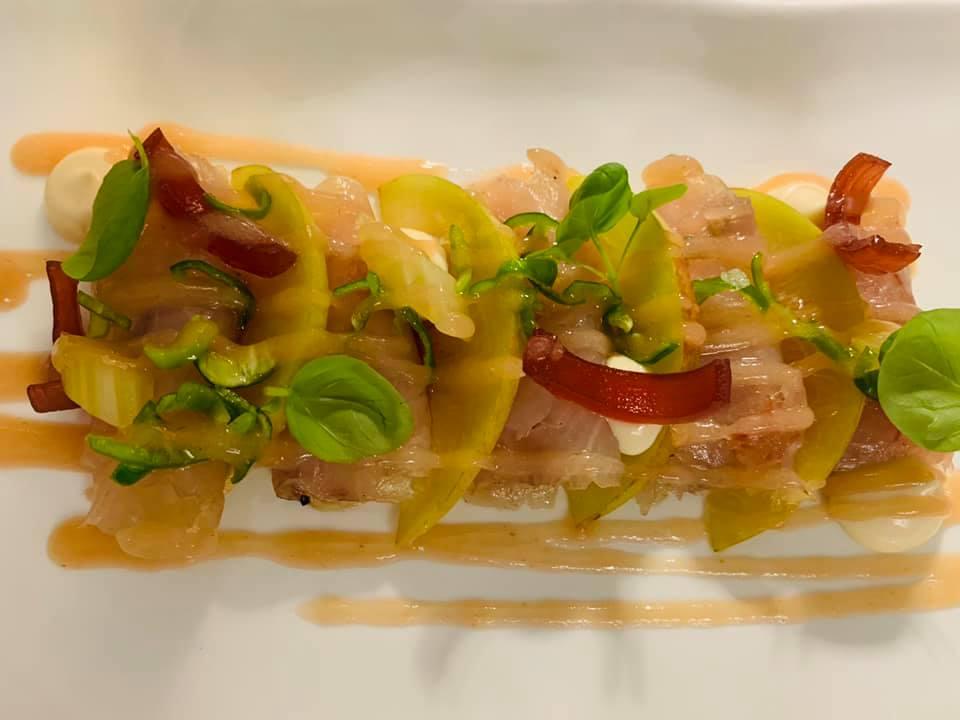 Jose' Restaurant - Ricciola marinata con pesca, peperone rosso e friggitelli