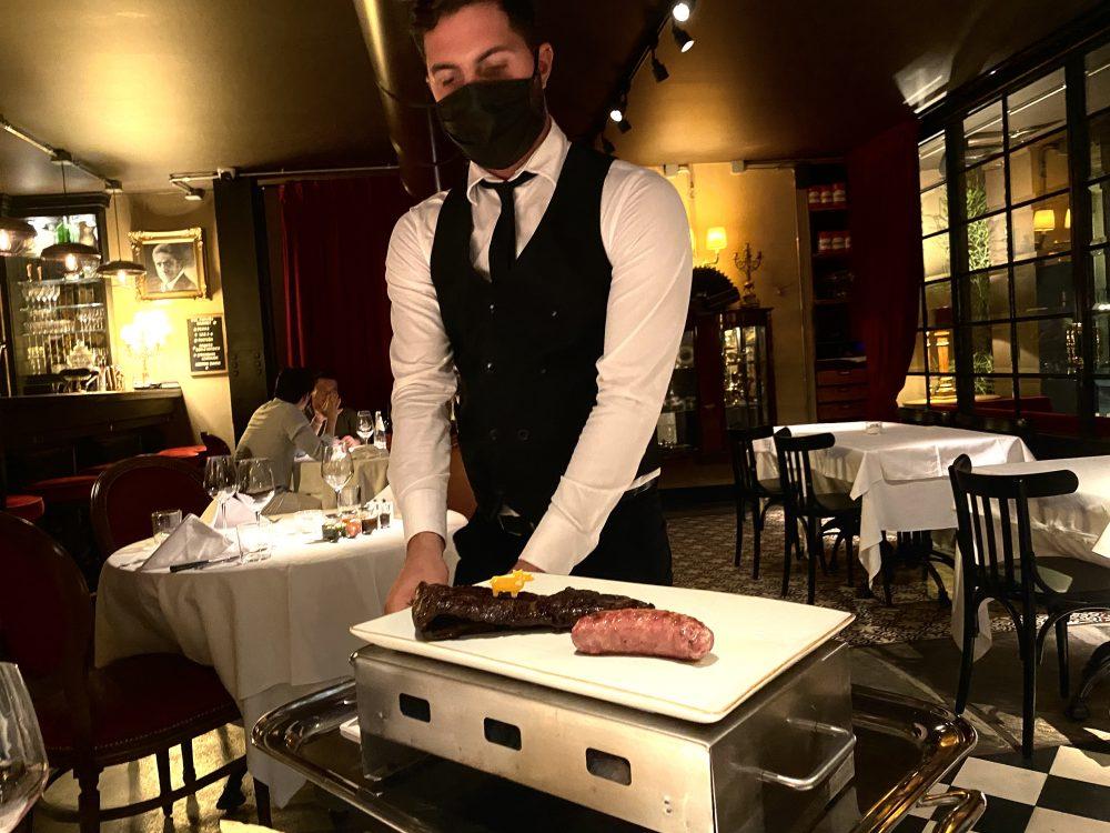 El Portenno, Il Servizio della Carne