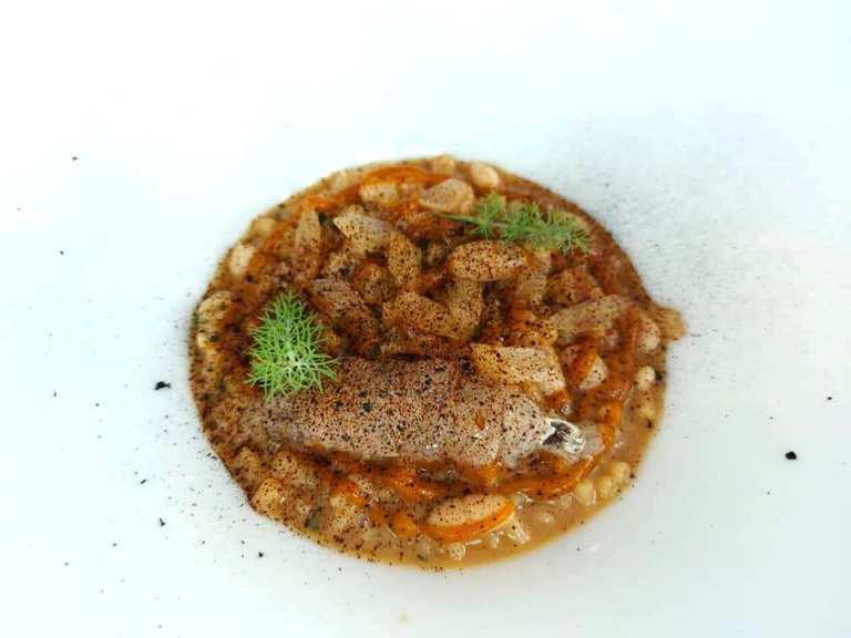 Il Principe, Tubettini in ragu' di canocchie, salsa di carota arrosto affumicata, fagioli cannellini, sedano fermentato e aglio nero