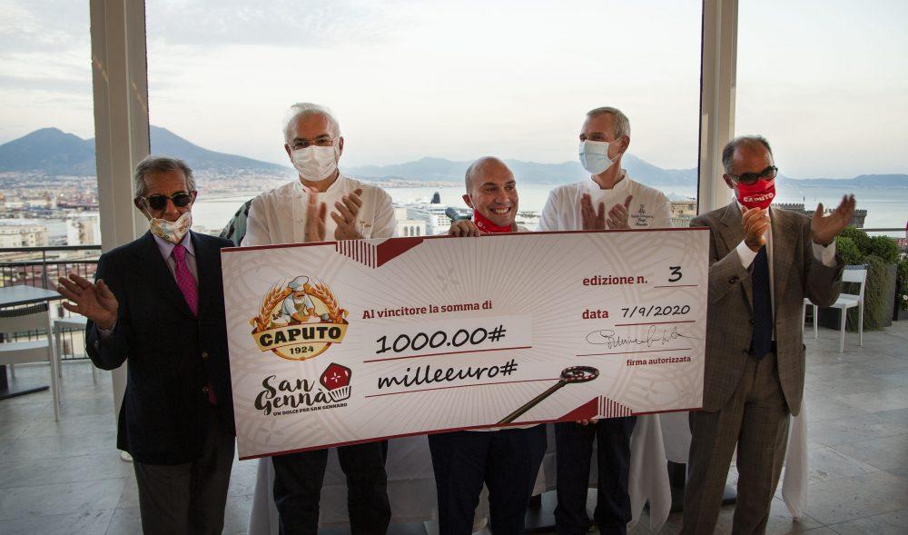 Il vincitore del concorso -Angelo Maria Tramontano - assieme ai giurati e a Carmine Caputo - presidente del Mulino Caputo - Foto di Giuseppe Carfora