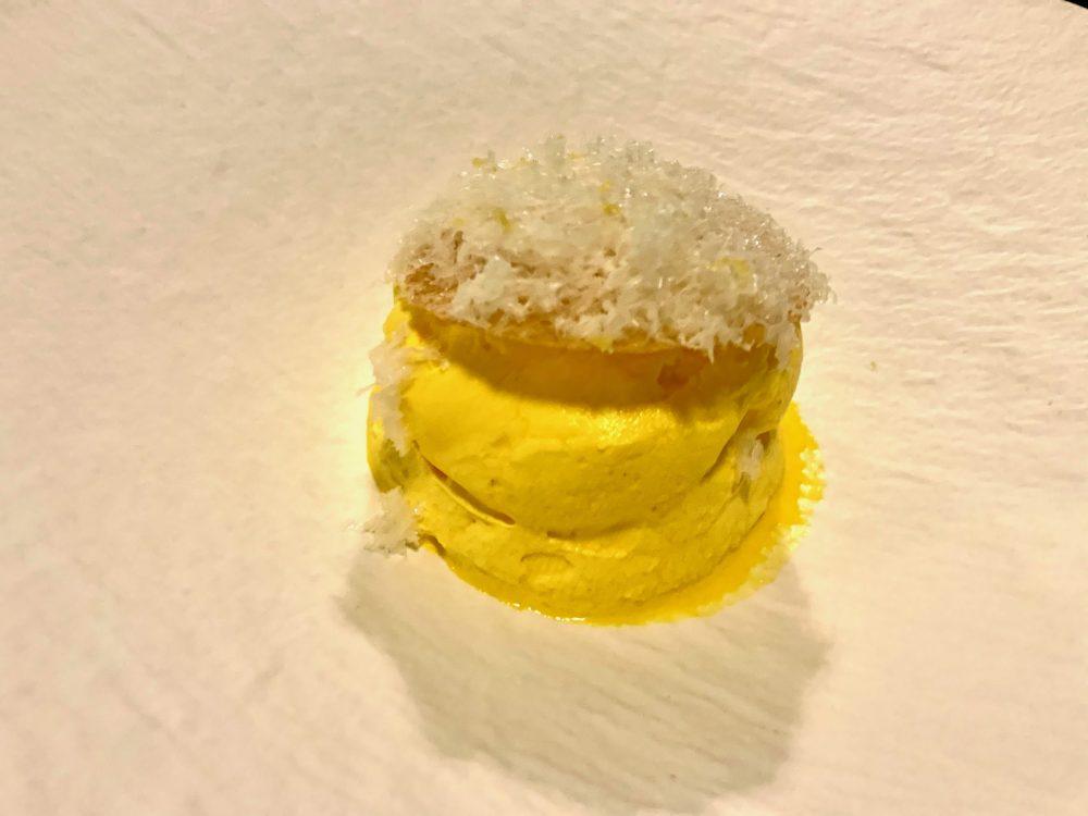 Materia - omaggio a Milano con gelato al midollo, spuma allo zafferano