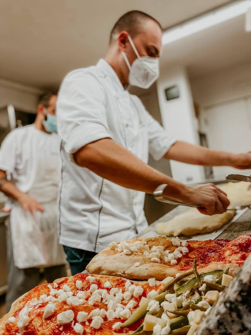 Pizzeria Gusto Madre Alba
